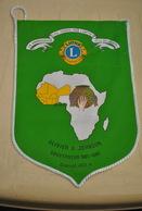 Rare Fanion Lion's Club Cotonou Bénin Gouverneur Johnson 1987-1988 - Organisations