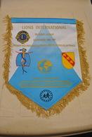 Rare Fanion Lion's Club Albert Lachkar Gouverneur - Organisations
