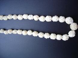 Beau Collier Ancien En Os Sculptés - Necklaces/Chains