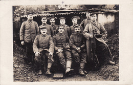CP Photo 14-18 Soldats Allemands, Un Chat (A204, Ww1, Wk 1) - War 1914-18