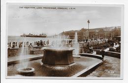 The Fountain, Loch Promenade , Douglas, I.O.M. By Night - Valentine R 64 - Isle Of Man