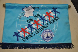 Rare Fanion Lion's Club CIRU 1978 Centres Culturels - Organizations