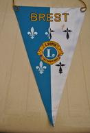 Rare Fanion Lion's Club Brest - Organisations