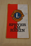 Rare Fanion Lion's Club Speyer Am Rhein - Organisations