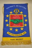 Rare Fanion Lion's Club André Brisset Gouverneur 1991 - Organisations