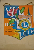 Rare Fanion Lion's Club Val Du Loir - Organisations