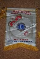 Rare Fanion Lion's Club Mattituck Long Island New-York - Organisations