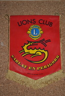 Rare Fanion Lion's Club Sarlat En Périgord - Organisations