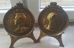 Médaillons Albert Et Elisabeth De Belgique 1916 Par Charles Samuel (1862-1938)  - Bronze. +- 620 Grs - Militaria