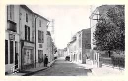 79 - FRONTENAY ROHAN ROHAN : La Grande Rue - CPSM Dentelée Format CPA - Deux Sèvres - Frontenay-Rohan-Rohan