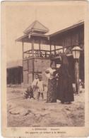 1288 BIRMANIE - BASSEIN - ON APPORTE UN ENFANT A LA MISSION - Myanmar (Burma)