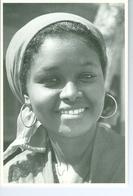 CP Somalie Institutrice à Mogadiscio, Mogadishu, 1984 Photo Vivant Univers PP. Blancs - Somalie