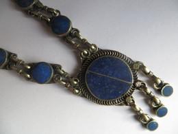 Beau Collier Ethnique En Argent Et Pierre Veritable Lapis-lazuli - 30 Cm De Long - Origine Asie - Ethnics