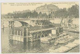 1020 - PARIS - Les Travaux Du Métropolitain Dans Le Grand Bras De La Seine -y- Fonçage Du Caisson Central - Transport Urbain En Surface