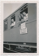 REAL PHOTO -  TRAIN  ON RAILWAY STATION ,  Zagreb -- Wien -  Old Photo - Treni
