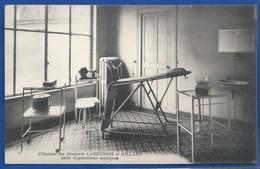 REIMS    Clinique Des Docteurs LARDENOIS Et BILLARD   Salle D'Opération Septiques - Reims