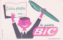 J'ÉCRIS PROPRE AVEC LA POINTE BIC - Papeterie
