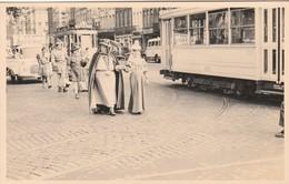 Bruxelles , Photocarte , Tram électrique Ligne 13 , Tramway , Cortège Folklorique + Publicité Vespa , Archiduc - Transport Urbain En Surface