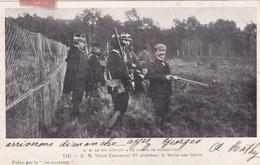 S. M. Le Roi D'Italie à La Chasse De Rambouillet - VIII - S. M. Victor Emmanuel III Attendant La Battue Aux Lapins - Célébrités