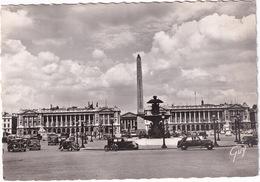 Paris: RENAULT SUPRASTELLA '39, 4CV, JUVAQUATRE, CITROËN TRACTION AVANT - Place De La Concorde, L'Obélisque De Louqsor - Toerisme