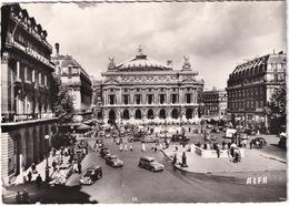 Paris: SIMCA 8 FOURGONNETTE, 8-1200, ARONDE, PEUGEOT 203 FAMILIALE, FORD VEDETTE - Place De L'Opéra - Toerisme