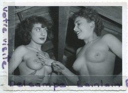 Photo érotique - Original - 2 Cochonnettes Dans Le Grenier, Nues, érotique, Pin Ups, Dim : 11.7 X 8.7 Cm, TTBE,  Scans. - Pin-up