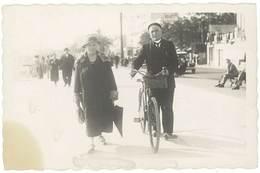 Cpa Carte-photo Couple, Homme Avec Son Vélo ( Marseille ? )  (CPH) - Autres