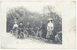 Cpa Carte-photo Hommes & Femmes, Balade En Vélo, Vers 1910  (CPH) - Autres
