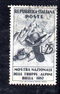 XP3112 - REPUBBLICA 1952 ,  25 Lire N. 698 Usato  Truppe Alpine. Scarpone Spostato - 6. 1946-.. República