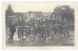 Cpa Carte-photo Groupe D'hommes Sur Leurs Vélos   ( CPH ) - Autres