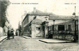 16 - Angoulême - La Rue De La Préfecture. - Angouleme