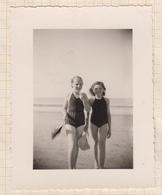 8AK4155 PHOTO AMATEUR 8 X 10.5 CM ST BRIEUC LES ROSAIRES 1948  2 SCANS - Lieux
