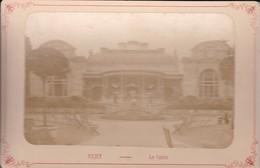 03 / VICHY / LE CASINO /   PHOTO COLLEE SUR CARTON - FIN XIXe DEBUT XXe Siècle / 16 X 10 CM - Photos