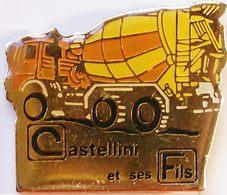 FF..308...B T P/TRACTEUR / ENGIN AGRICOLE/ENGIN DE CHANTIER / OUTILS ..........CASTELLINI  ET  SES FILS - Pin's
