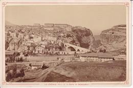 ALGERIE / CONSTANTINE / VUE PRISE ROUTE DU MANSOURAH  / PHOTO COLLEE SUR CARTON - FIN XIXe DEBUT XXe Siècle / 16 X 10 CM - Anciennes (Av. 1900)
