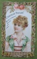 Belle Chromo Gaufrée, Ajourée ; Elégante Au Corsage Rose Et Vert - Entourage De Lierre Et Roses - Poulain