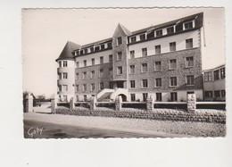 26595 Combourg , Clinique Saint Joseph -32 Gaby Cpsm Petit Format - Combourg