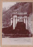 DIGNE / LA GRANDE FONTAINE / PHOTO COLLEE SUR CARTON - FIN XIXe DEBUT XXe Siècle / - Anciennes (Av. 1900)