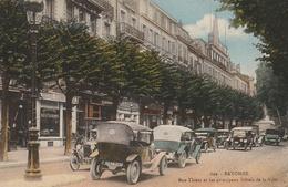 Rue Thiers Et Les Principaux Hôtels De La Ville - Bayonne