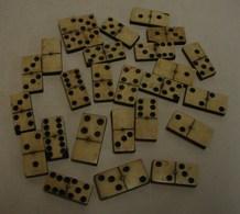 Jeux. 3. Lot De 26 Pions De Domino - Autres