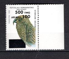 MADAGASCAR N° YVERT 1681AT SURCHARGE NEUF SANS CHARNIERE COTE MICHEL 80.00€ OISEAUX ANIMAUX  VOIR DESCRIPTION - Madagascar (1960-...)
