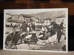TARJETA POSTAL EQUADOR ECUADOR HILANDERAS QUECHUAS EN EL MERCADO DE RIOBAMBA MARKET MARCHE ANIMATED  AK CPA - Equateur