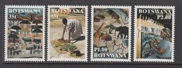 1998 Botswana Textiles Art Complete Set Of 4 MNH - Botswana (1966-...)
