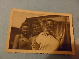 Foto Piccola 3 Amiche In Costume Pesaro 1944 - Personnes Anonymes