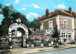 """/ CPSM FRANCE 77 """"Morey Sur Loing, Hôtel Restaurant De Moret"""" - Moret Sur Loing"""