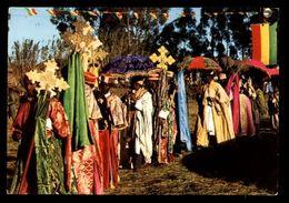 C291 - ETHIOPIA ETIOPIA ETHNICS FOLKLORE COSTUMES - ASMARA - CERINMONIA DEL TIMKET / CEREMONY OF TIMKET CIRCULATED 1968 - Etiopia