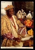 C314 NIGERIA - NIGERIAN DIGNITARY WITH CEREMONIAL HEADRESSES - Nigeria
