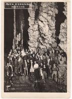 Ancienne Photo : Groupe De Visiteurs , La Grotte Aven D'Orgnac  Ardèche - Luoghi