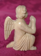 Angelot Priant Miniature En Ivoire Sculpté  - Statue Statuette Art Asie - Autres