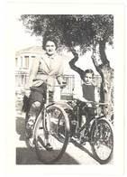 Photo Ancienne Femme & Enfant Sur Vélo - Personnes Anonymes